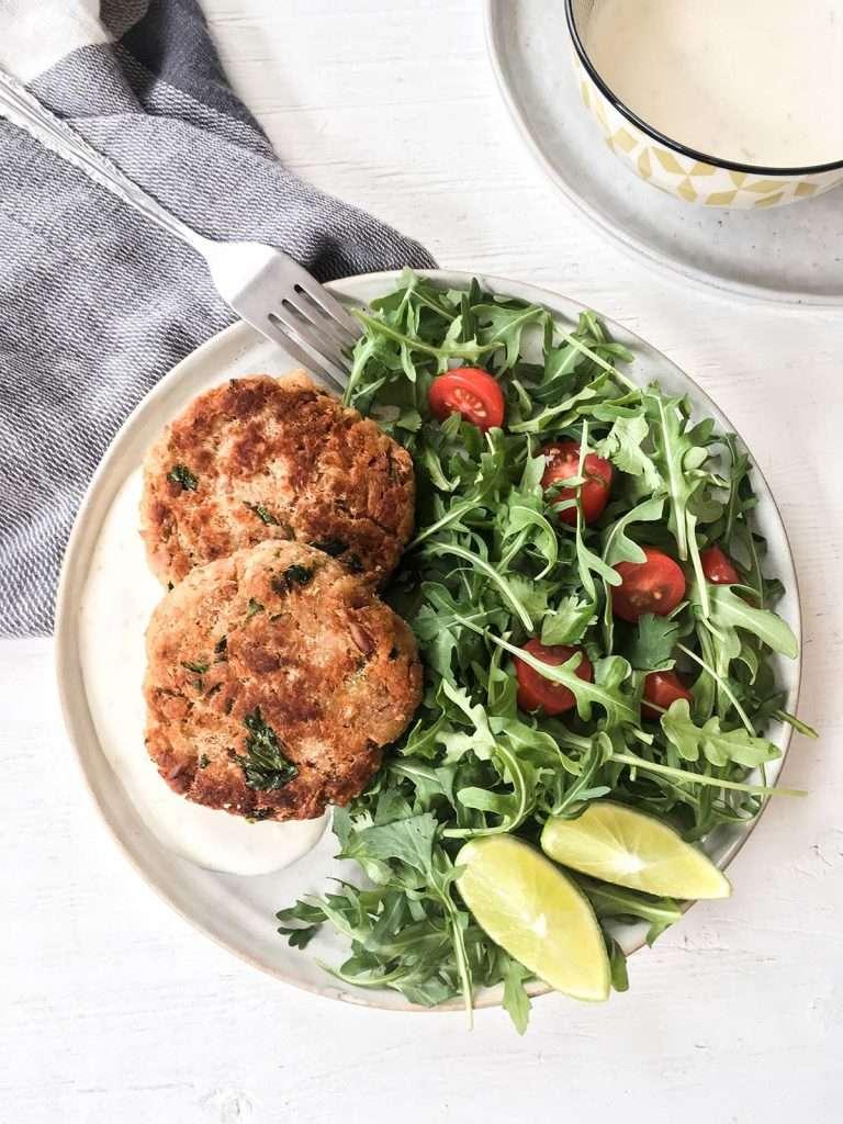 Croquettes de thon avec salade verte
