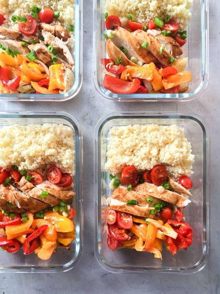 Lunchs de poulet sauce BBQ couscous et légumes grillés